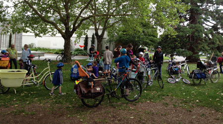 Kidical Mass massing up
