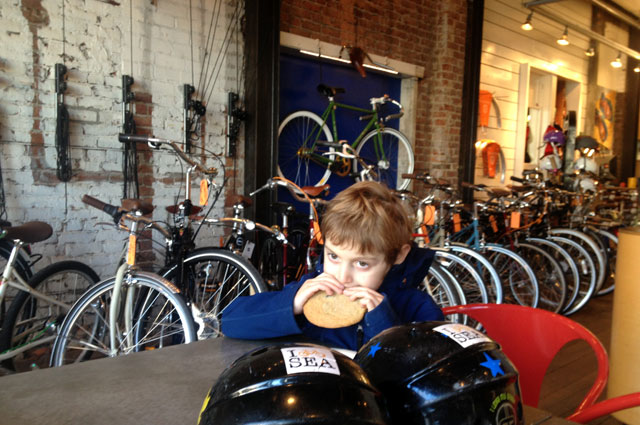 Snack and shop at Dutch Bike Co