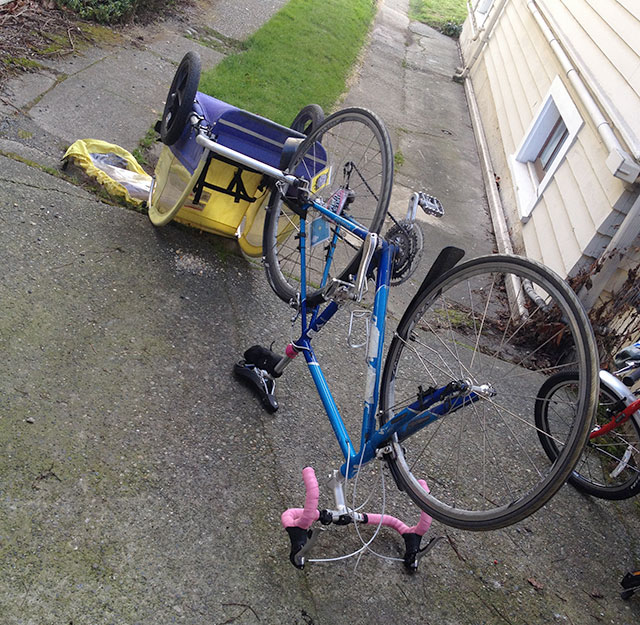Road bike and trailer