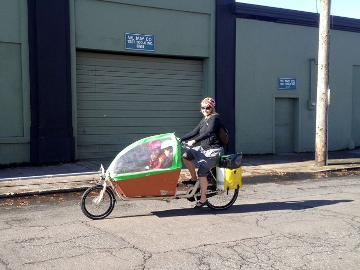 Clever Cycles' rental bakfiets