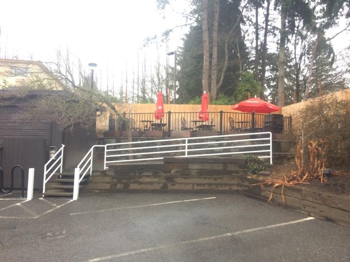 Burgermaster patio